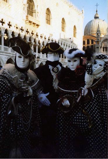 27_venetian_masks_carnival_2007